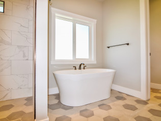 Tub in Master Bath